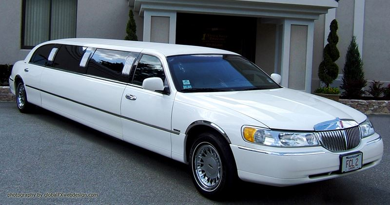 MASS 10 Passenger Lincoln Stretch Limo in Worcester/Boston MA